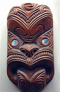Maori design on masks and tattoos – Masks of the World