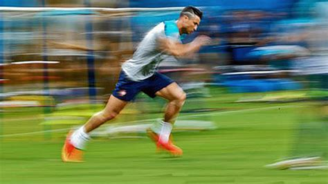 How To Increase Speed & Get Faster ★ CR7 & Bale Speed ...