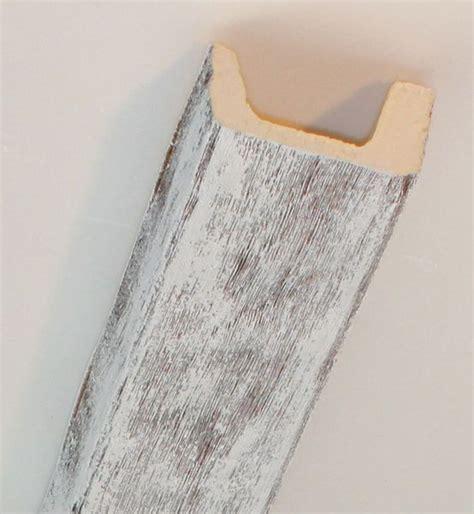 Voir plus d'idées sur le thème en partant sur des poutres en bois avec un simple bois en pin, en premier lieu, achetez les produits permettant de réaliser cet effet soit: Fausse Poutre Polyurethane Blanche Leroy Merlin