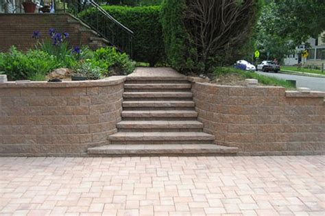 split retaining wall 6 x 9 canyon blend the roundtable collection with retaining wall and steps made out of maytrx 6