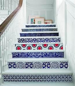 Contre Marche Deco : un escalier haut en couleurs galerie photos d 39 article 1 4 ~ Dallasstarsshop.com Idées de Décoration