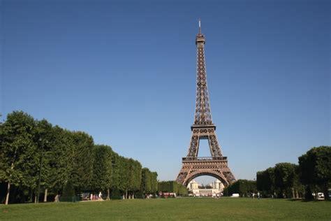 Bateau Mouche Ducasse by Restaurant Tour Eiffel