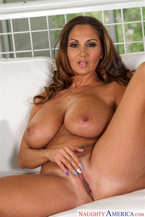 Big Titted Woman Took Off Her Clothes Photos Ava Addams