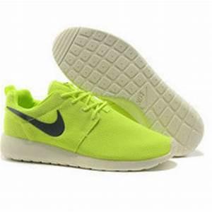 n015 Nike Roshe Run Lime from shopzaping