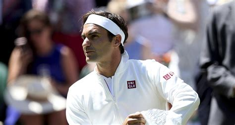 Roger Federer Signs 10-year Deal With Uniqlo