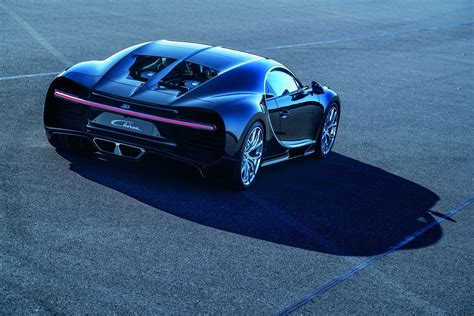 Bugatti Chiron Pics by Bugatti Chiron Is Official 1 500 Horsepower 260 Mph 2