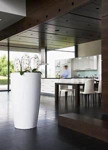 Pflanzkübel Weiß Rund : pflanzs ule wei rund in zwei gr en aus kunststoff ~ Whattoseeinmadrid.com Haus und Dekorationen
