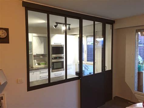 salle de bain ouverte dans chambre verrière intérieure cuisine séjour coulissante