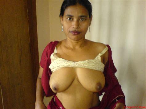 rajasthani bhabhi remove blouse and petticoat xxx sex hd image