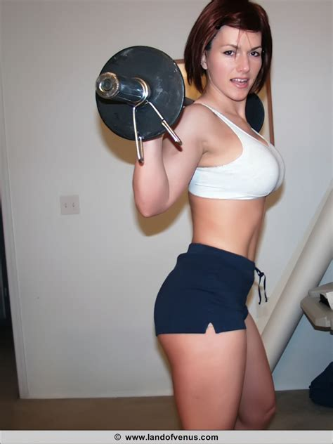 Female Bodybuilder Working Out Nude