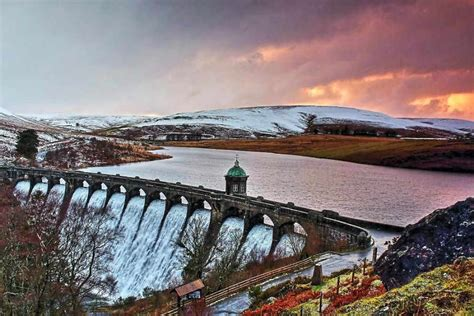 Incredible Picture Shows Winter In The Elan Valley  Qc News