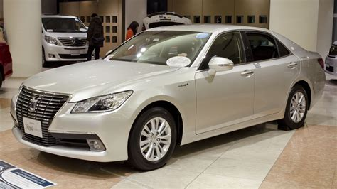 file toyota crown royal jpg wikimedia commons