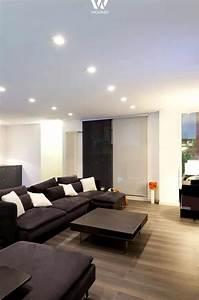 Spots In Der Decke : die spots in der decke machen den raum h her da keine deckenleuchte ben tigt wird wohnidee by ~ Markanthonyermac.com Haus und Dekorationen