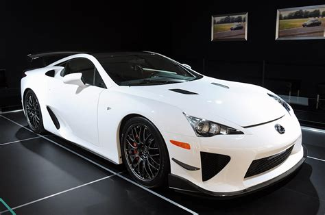 Lexus Lfa Nurburgring Edition Gets Pitted Against An