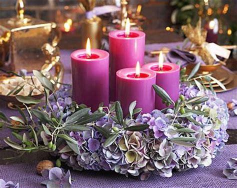 traum  violett adventskranz aus hortensienblueten bild