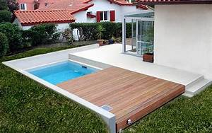 Mini Pool Terrasse : la terrasse mobile disparait lorsque la piscine se d couvre id ale pour les jardins de petite ~ Orissabook.com Haus und Dekorationen