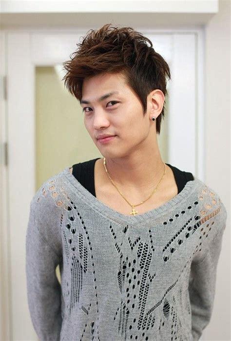 pin auf korean guys hairstyles asian guys haircuts