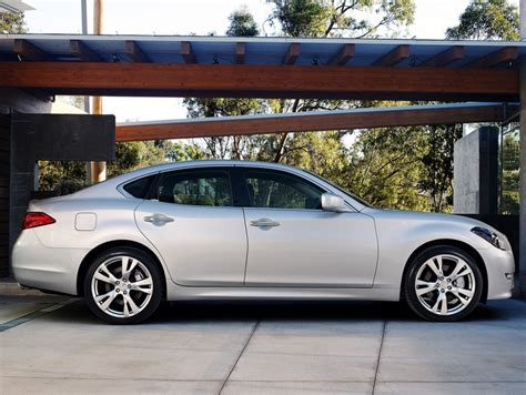 2011 infiniti m luxury cars