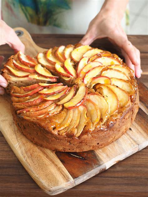Apple, mascarpone and cinnamon cake   Italian recipes ...