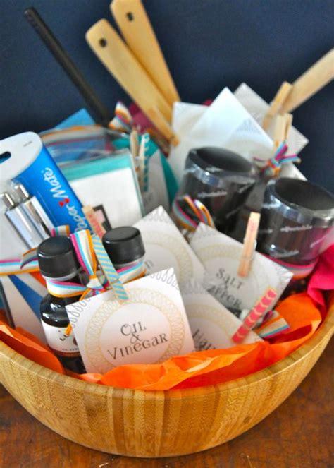 wedding shower gift basket ideas 25 best ideas about bridal gift baskets on