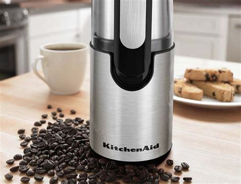 The small coffee grinder is a manual or electric appliance of small dimensions that is purposed for grinding the coffee beans. Coffee Grinder Reviews