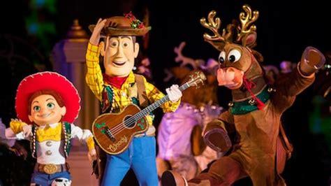 movie world christmas party mickey s merry walt disney world resort