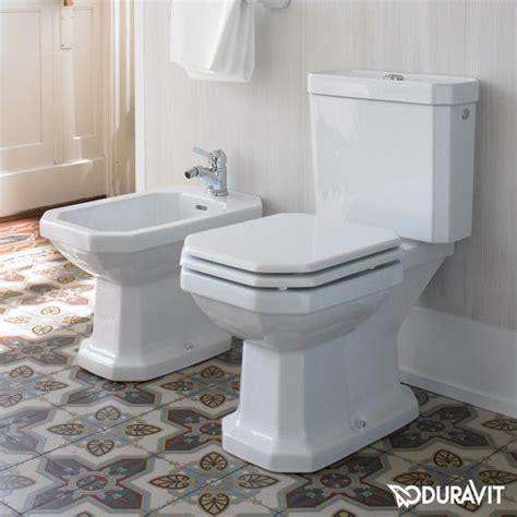 stand wc mit spülkasten abgang senkrecht duravit 1930 stand tiefsp 252 l wc f 252 r kombination wei 223 mit wondergliss mit abgang senkrecht