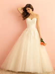 wedding dreses ivory lace tulle strapless sweetheart gown wedding dress of