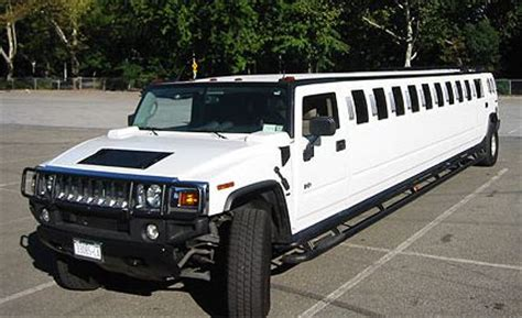 Hummer Limousine Service by Limousine Service For New Year S Is A Safe Choice