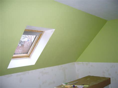decoration chambre comble avec mur incliné conseil peinture chambre
