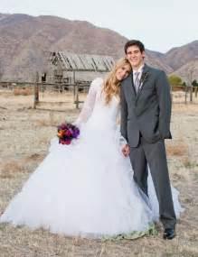 dress barn dresses for weddings 27 stunning barn wedding dresses weddingomania