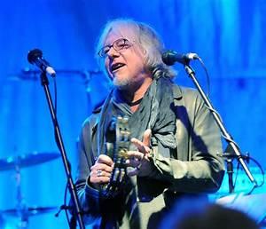R.E.M.'s Mike Mills on Vinyl Singles Set: 'We Never ...
