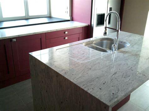 cuisine plan de travail marbre granit plan de travail cuisine avec un plan de travail en