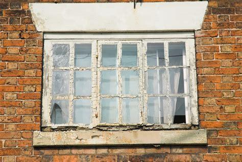 broken window repair  replace houselogic window