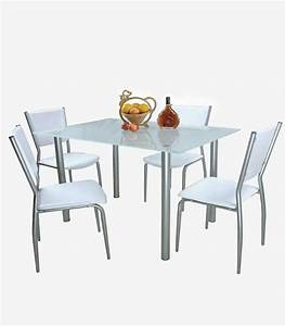 Tavolo e sedie stile loft di Mercatone Uno Donna Moderna