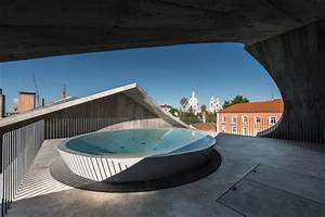 39 house in estrela 39 by aires mateus features a parabolic