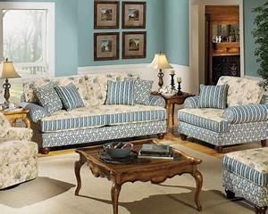 Carolines Cottage Living Room - Colony House Furniture