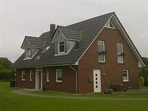 Haus Mit Gaube : wohnhaus dachausbau dachfenster gauben giebel aus zink ~ Watch28wear.com Haus und Dekorationen