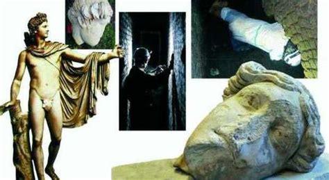 l apollo l apollo foro romano sotto la via sacra rinvenuta una testa dio 1 176 secolo d c