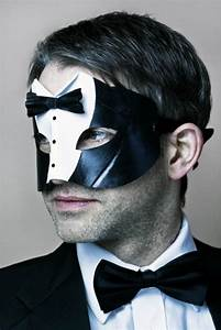 Men's 'Tuxedo' Black & White Leather Masquerade Mask