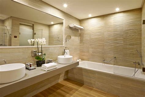 Bathroom Design With Bathtub by 25 Best Bathroom Mirror Ideas For A Small Bathroom
