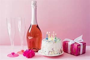 Image Champagne Anniversaire : g teau et bouteille de champagne t l charger des photos gratuitement ~ Medecine-chirurgie-esthetiques.com Avis de Voitures