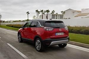 Opel Crossland X Fiche Technique : essai opel crossland x 1 2 turbo notre avis sur le nouveau crossland photo 18 l 39 argus ~ Medecine-chirurgie-esthetiques.com Avis de Voitures