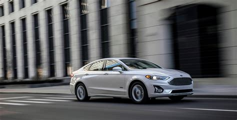 2019 Ford Fusion Debuts Modest Updates