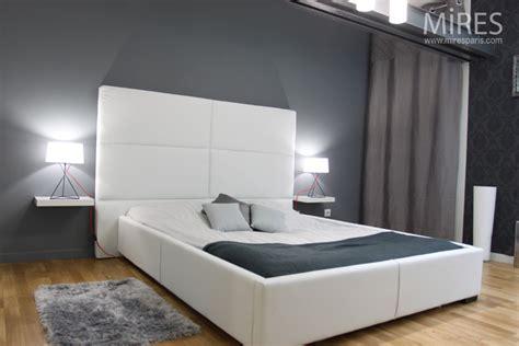 chambre avec mezzanine chambre grise théâtrale c0553 mires