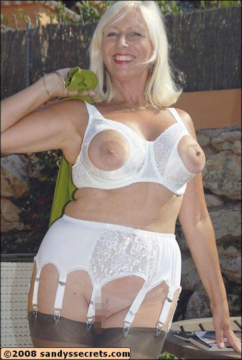 Amateur Mature Sandy Nude Mature Xxx Pics