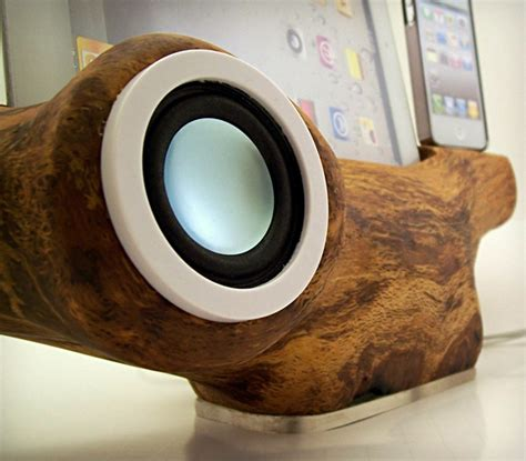 raw beats iphone speaker docking station cool material