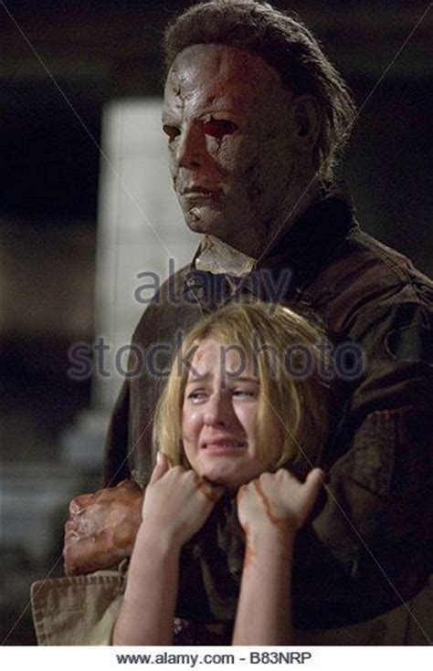 Laurie Strode Halloween 2007 by Michael Myers And Laurie Strode Standoff Rob Zombie S