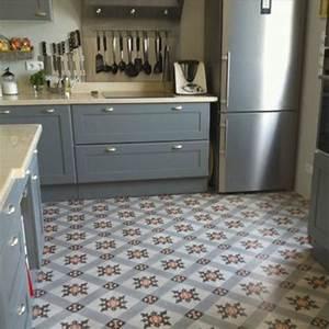 idee relooking cuisine carreau ciment listspiritcom With carrelage adhesif salle de bain avec led pour culture intérieure