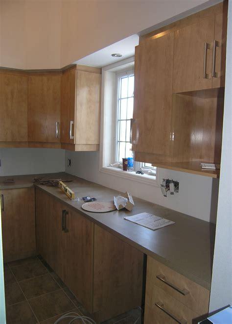 mat駻iaux armoire de cuisine armoires avec retomb 233 e les entreprises alain pilon inc